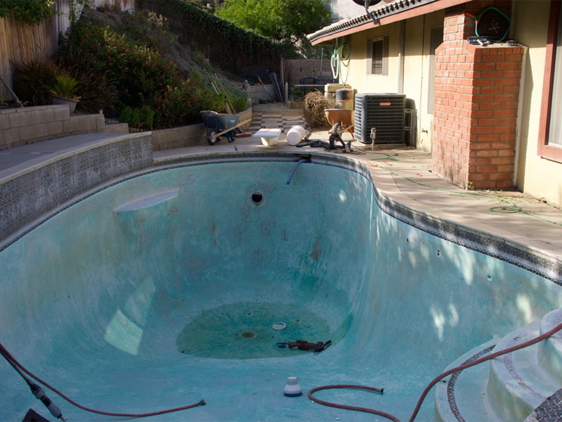 Before: Old Dated Worn Out Pool